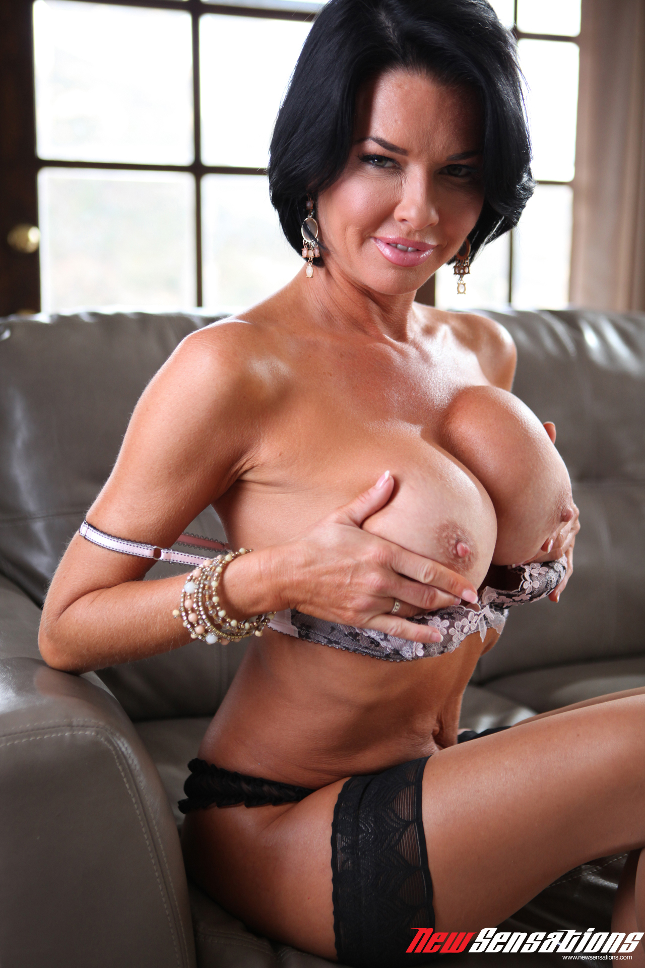 Milf Veronica Loves Cocks